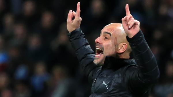 guardiola_fingers_air_mancity.jpg
